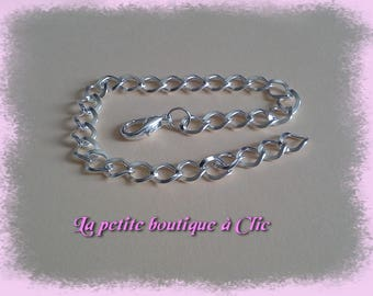 Silver plated lobster claw clasp chain bracelet with clasp