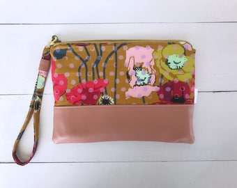 Pink Wristlet | Floral Zipper Pouch | Make-Up Bag | Pink Leather | Poppies | Clutch