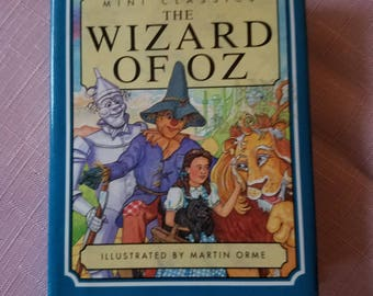 Mini Classic Wizard of Oz Book