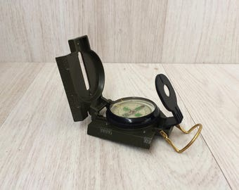 Vintage compass Mechanical compass Pocket compass Military compass Foldable compass Liquid compass Portable directional compass Gift