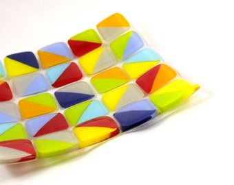 Glass Mosaic Plate (Multi-Coloured Triangles)