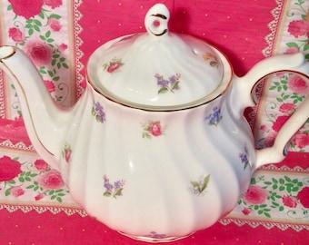 Pretty in Pink-Vintage Sadler Swirl Teapot England