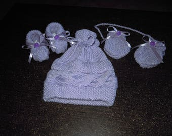 Hat and booties newborn hand knitted mittens