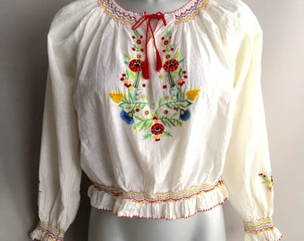 Vintage 1970s cotton embroidered Peasant top with smocking size 8 small / petit