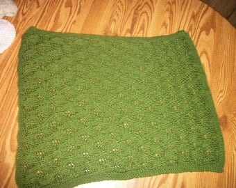 Hand knit green overlapping leaves baby blanket