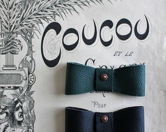 Bow tie green leather, vintage style, 10 x 4 cm