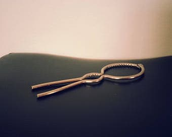 Metal Jar Opener - with large and small sections