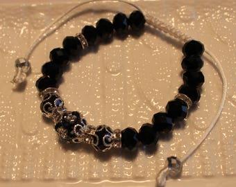 Elegant beaded bracelet in black & silver; handmade, shamballa, beadweaving, beautiful, casual-wear, party-wear