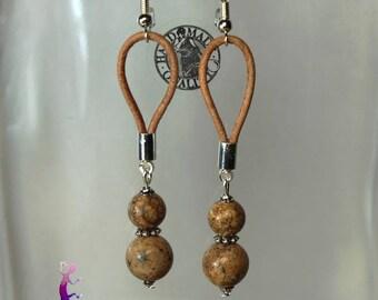 Leather and beige Jasper BOA118 earrings