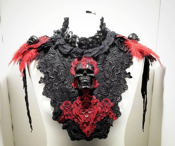 Vampire red black skull collar with feathers - black red skull collar with spring piece