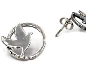 Peace Dove stud Silver Earrings, Peace Jewelry, silver dove earrings, peace dove, dove birds earrings, bird earrings