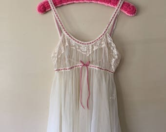 Vintage 1970s Pink and White Empire Waist Lace Nightie Lingerie size Medium