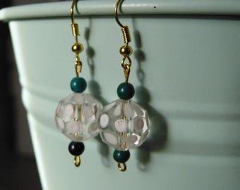 White dots glass beads earrings