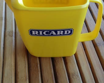 Ricard water jug in yellow plastic - carafe Ricard - pitcher Ricard - french bistrot - vintage