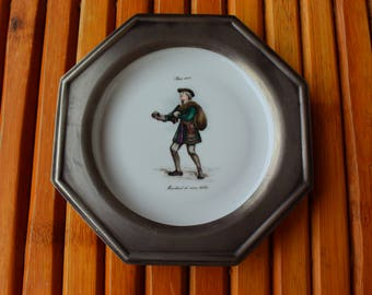 Tin and ceramic plate - decorative plate - made in France - pewter - Vintage - wall frame.
