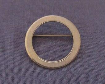 Small Open Circle Winard Pin Brooch