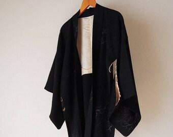 Vintage Japanese Kimono Haori / Black base trees designs / Kimono jacket / ivy  Kamon