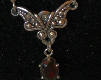 Beautiful Avon Butterfly Necklace
