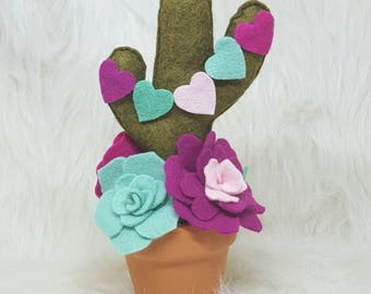 Valentine cactus, felt cactus, cactus love, love cactus, southwest love, cactus lover, cactus gifts, cactus valentine