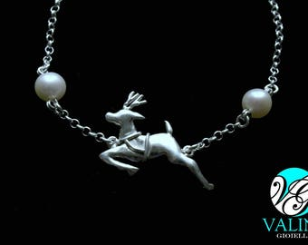 Christmas bracelet with reindeer and pearls