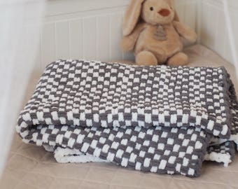 Hand-woven baby blanket grey white handwoven baby blanked 80 x 120 cm
