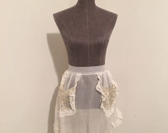 Sheer apron with pockets! Adorable