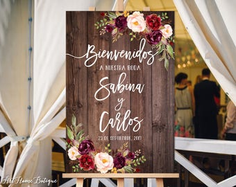 Bienvenidos a Nuestra Boda, Welcome Wedding Sign, Rustic Welcome Wedding Sign, Wood and Burgundy Flowers, Spanish Sign, Marsala Sign, W86