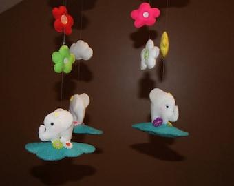 Mobile little elephants in felt