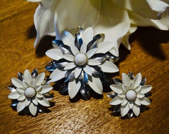 Vintage 70's Sarah Coventry Signed Flower Pin and Earrings