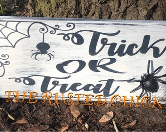 TRICK OR TREAT sign, Halloween sign, Fall sign, Distressed Sign, Rustic Sign, Wreath attachment, Wreath Sign, Wall Sign, Door Sign