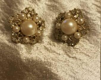 Vintage Richelieu Clip on Earrings, pearl,heart,goldtone