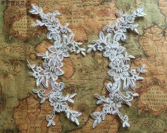 1 Pair Bridal Lace Applique Trim Appliques in Off-White for   Weddings,Sashes,Veils,Headpieces, WL876