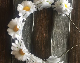 Headband - daisies flower wreath