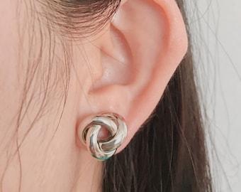 Twisting earrings, twisted earrings, twisted stud earrings, knotted earrings, knot earrings, cute earrings, silver earrings, gold earrings