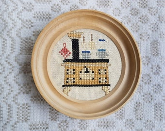 Vintage round embroider only image,  handmade picture / canvas whit wooden frame