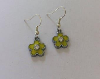 Yellow flower earrings / flower earrings / flower jewellery / flower gift