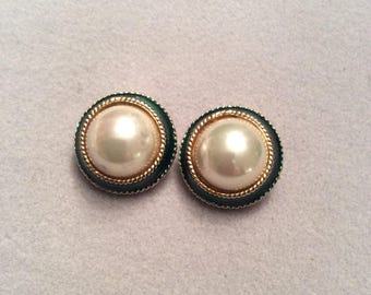 1980s faux pearl with green costume jewellery clip on earrings