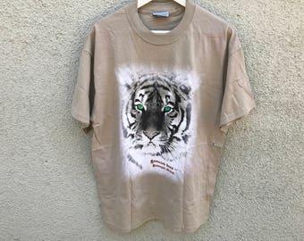1990's Vintage Barnum & Bailey Circus White Tiger T-Shirt