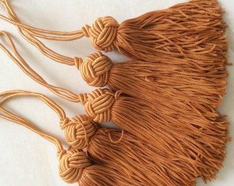 Orange length 9 cm tassels