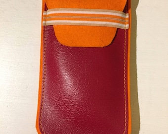Cell phone case / pouch made of felt and leatherette