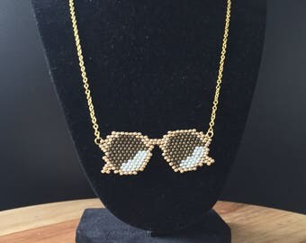 Gold shades necklace