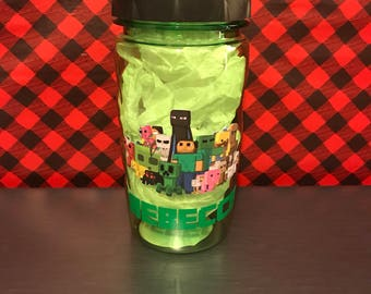 Personalized Minecraft water bottle, Minecraft Bottle, Gift for gamers, party favors, birthday favors, minecraft, personalized bottle,