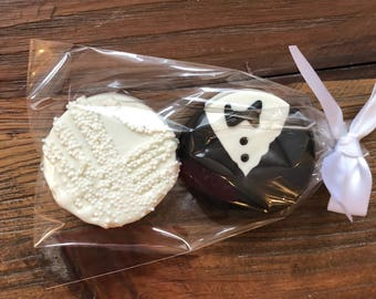 75 Bride and Groom Wedding Favors - Chocolate Covered Oreos Bridal Shower Wedding Party