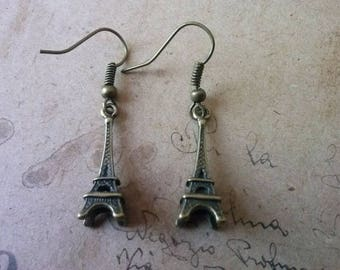Eiffel Tower earrings ~ bronze ~.