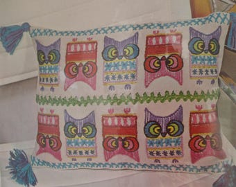 Crewel Embroidery Vintage Kit, Bucilla Creative Needlecraft #8371, Owl Sampler Crewel Embroidery Kit, Colorful Owl Pillow Kit, Fun & Mod