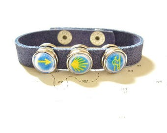 Camino symbols leather bracelet with Arrow, Scallop shell, Pilgrim snap-on 'clics'