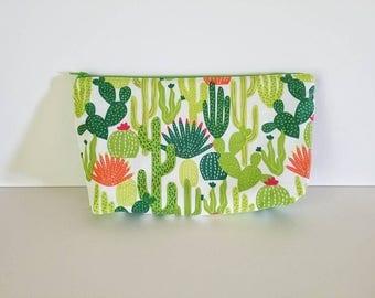 Cactus makeup bag, cosmetic bag, pencil bag, zipper cloth bag, green and white bag, travel bag, toiletries bag, gift for her