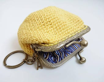 Personalized Coin purse, crochet purse with yellow linen yarn and Liberty of London navy fabric lining, gift for her, framed clasp purse,