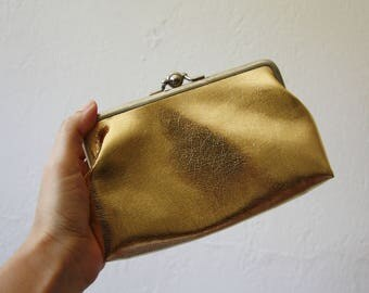 Vintage Celebrity New York – Clutch -  Wallet Purse – made in USA –Vintage evening bag–Vintage gold clutch–coins purse-Purse Clasp Closure