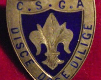 1930s CANADIAN SCOUT badge. Silver.